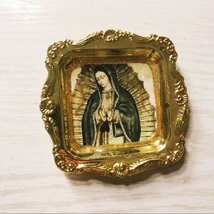 Virgin Mary ring container
